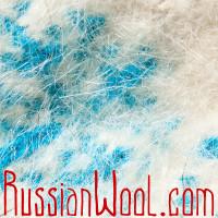 Варежки из козьего пуха, белые с голубыми снежинками