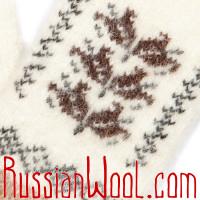 Варежки кремово-белые с листиками