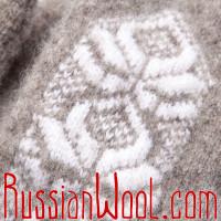 Варежки Иней бело-серые с крупным узором