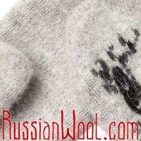 Варежки Иней с оленем светло-серые