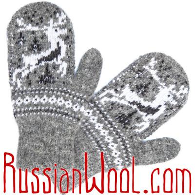 Варежки Алтай с черно-белым оленем, серые
