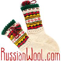 Носки Пастушьи Нарядные шерстяные с красно-изумрудными кисточками
