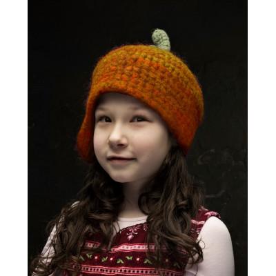 Дизайнерская шапка-тыква с одним ухом