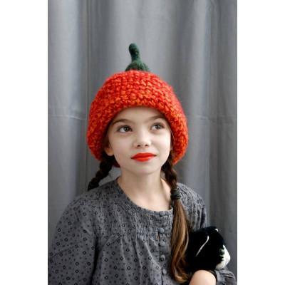 Стильная дизайнерская шапка для зимы