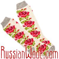 Комплект: шерстяные гольфы и подследники, белые с розами