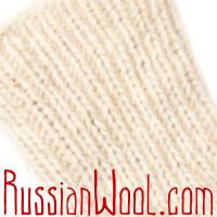 Белые шерстяные носки с линиями