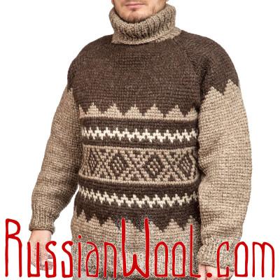 Темный свитер ручной вязки