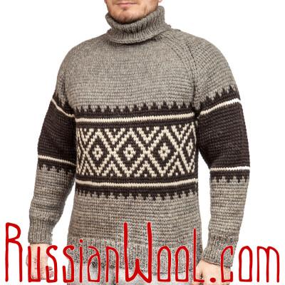 Черно-серый свитер крупной вязки